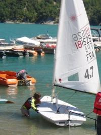 Impossible de tourner le bateau avec la voile bordée...